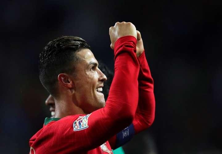 ORTO (PORTUGAL), 05/06/2019.- Cristiano Ronaldo de Portugal celebra después de anotar en el partido de la semifinal de la Liga de Naciones de la UEFA. Foto: EFE