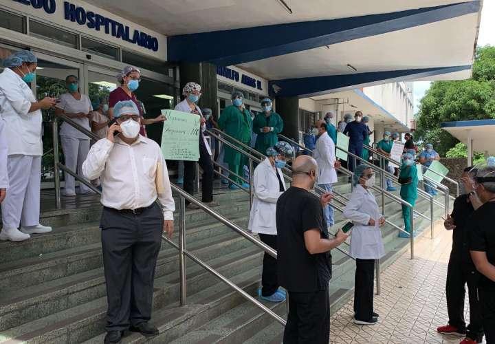 Médicos de la CSS se oponen a traslados de pacientes a otro hospital
