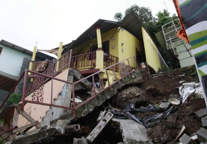 Colapsa casa en Los Andes en horas de la madrugada