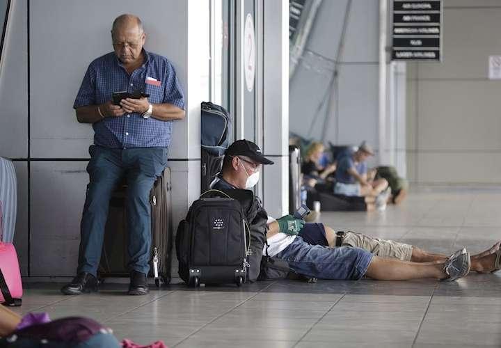 Españoles y otros europeos evacuados desde Panamá en vuelo de Iberia