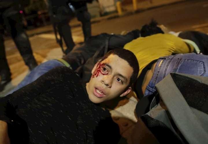 Decenas de detenidos marcan cuarto día de protestas por reformas