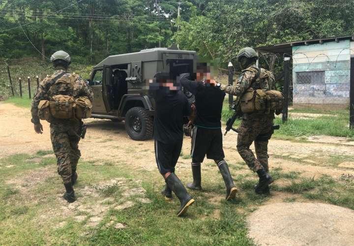 Dos indígenas detenidos por tráfico ilegal de 101 migrantes en Darién