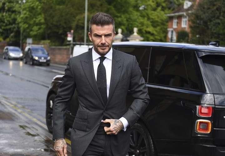 El antiguo capitán de la selección de Inglaterra compareció hoy en persona, vestido con traje y corbata oscuros, ante el tribunal. Foto: AP