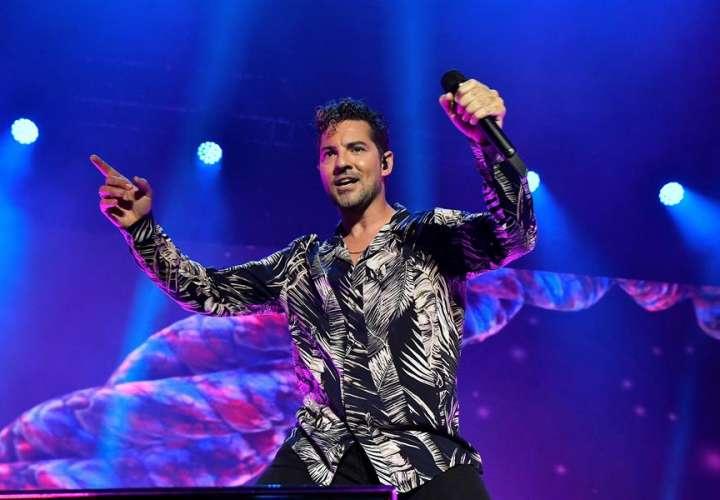 El cantante David Bisbal durante un concierto en Almería. EFE
