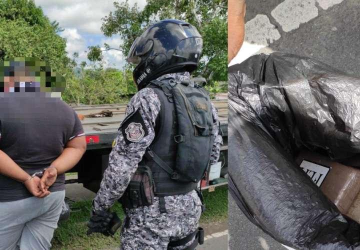 Un sujeto fue detenido en Tocumen con dos paquetes con presunta droga.