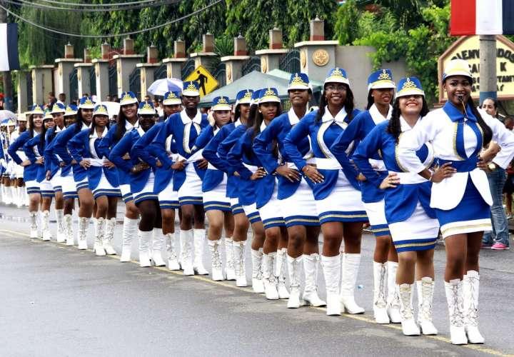 """Analizan implementar los """"desfiles virtuales"""" para celebrar Fiestas Patrias"""