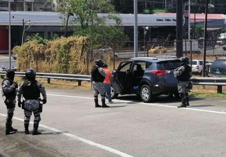 Detienen a una mujer que transportaba marihuana por La Cresta