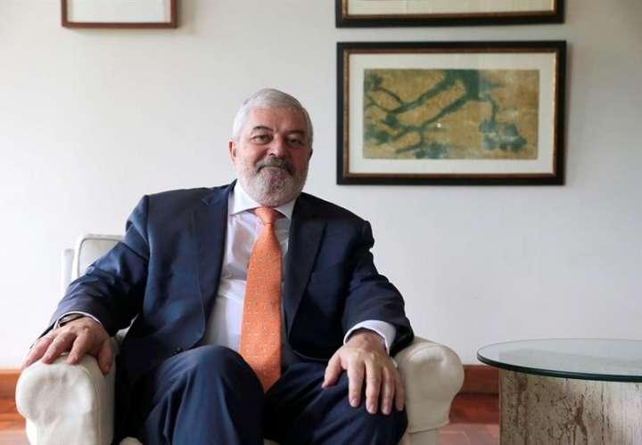También conversaron sobre el robo de 4,5 millones de euros que sufrió la oficina de la Aecid en Panamá. EFE