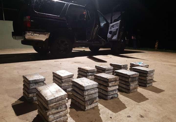 Aprehenden a sujeto con 55 paquetes de droga  en Darién