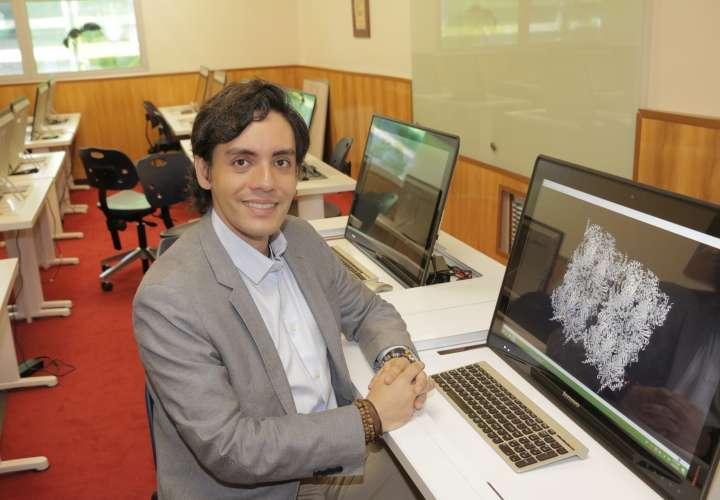 Científico panameño se luce en México y recibirá una condecoración internacional
