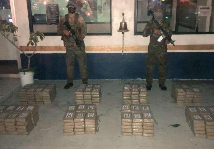 Sacan 258 paquetes de presunta droga en Isla Rey