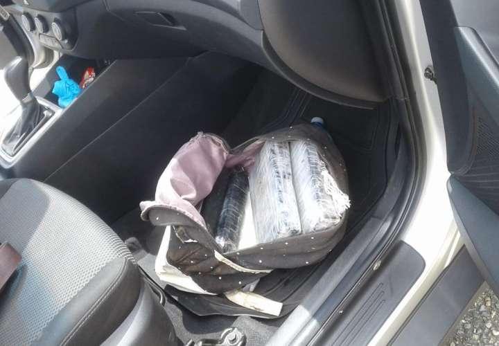 La droga iba dentro de un maletín. Foto: @Senafront