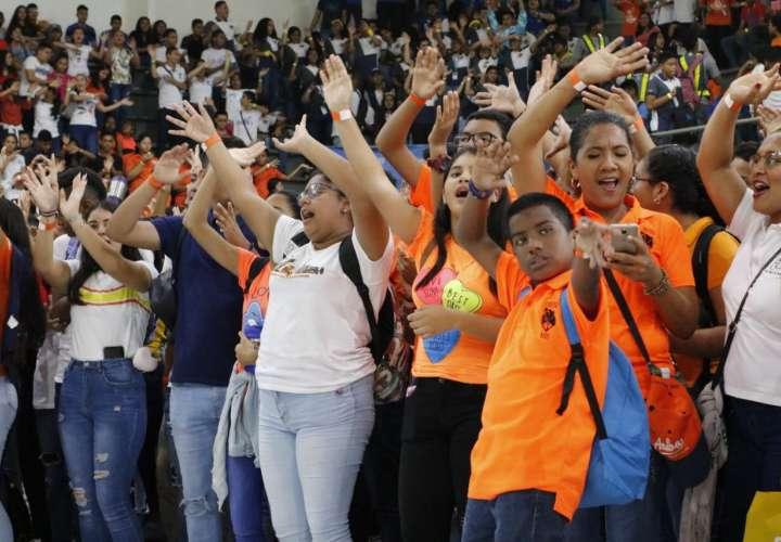 Jóvenes acuden al encuentro con Jesús en EJA 2019