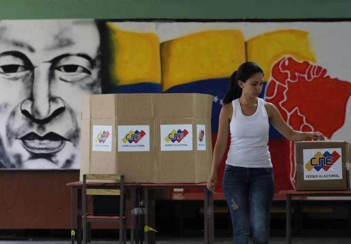 Venezuela a ciegas y a empujones hacia unas elecciones inminentes