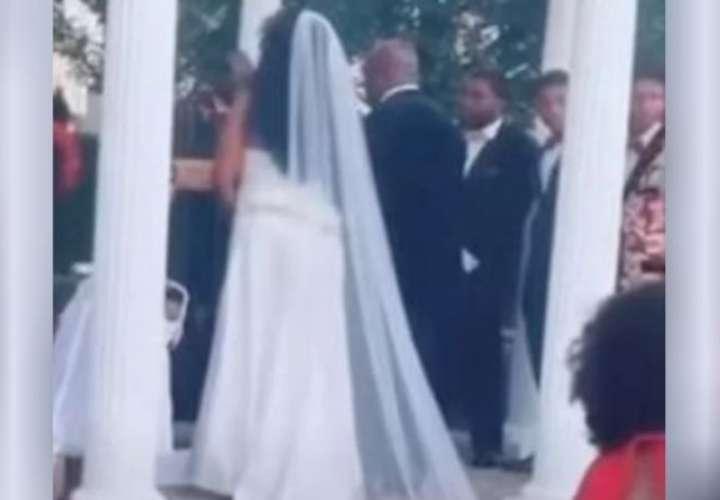Mujer irrumpe en una boda porque dice estar embarazada del novio (Video)