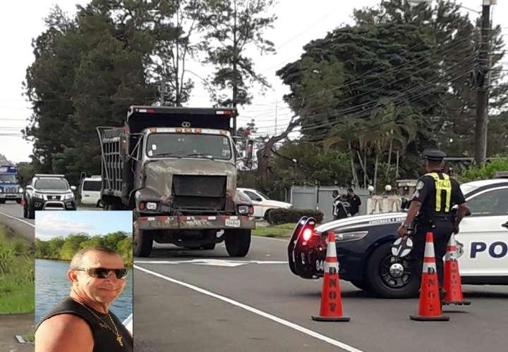 Comerciante muere al lanzarse contra camión