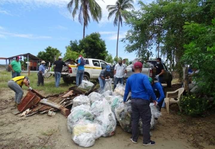 Esta situación en las comunidades costeras de la provincia de Los Santos ha alertado a las autoridades.