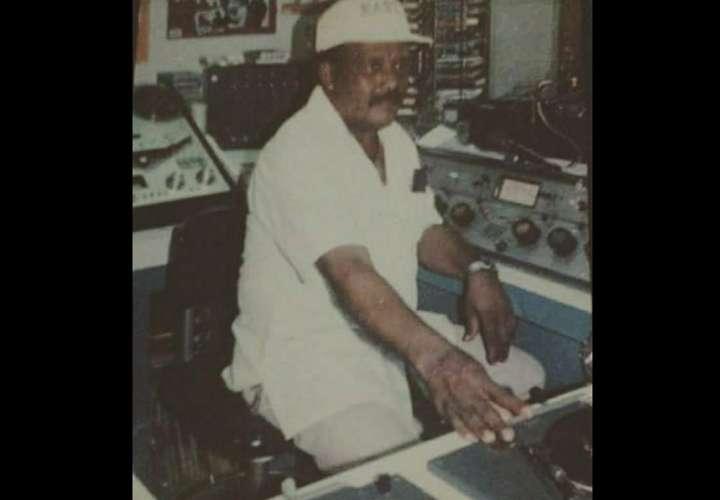 """Fue uno de los """"eternos"""" de la buena radio panameña."""