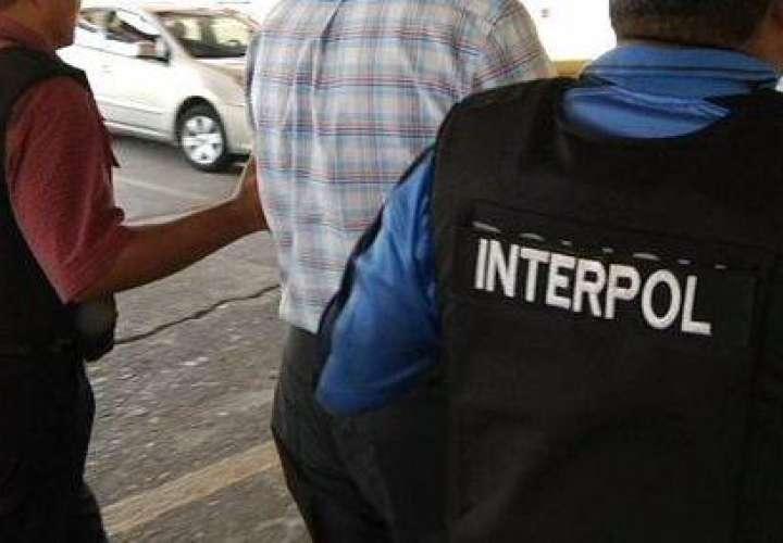 Interpol atrapa a dos extranjeros por delitos de violación y estafa
