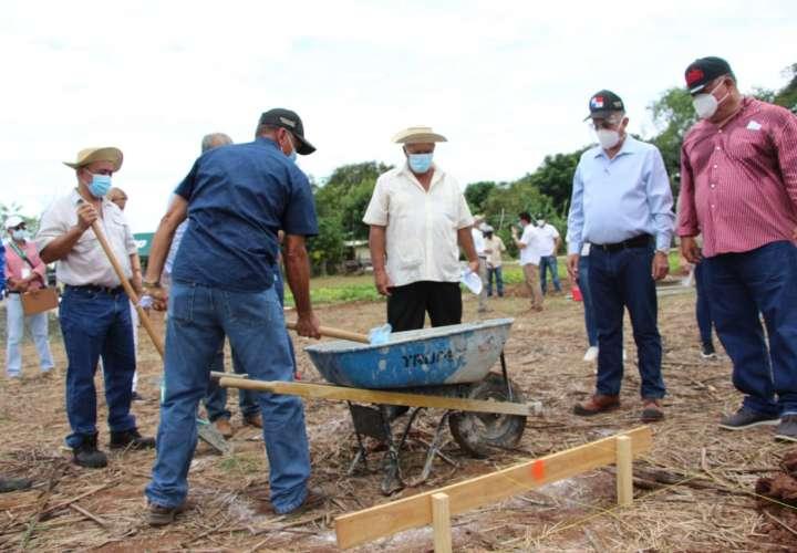 Inicia construcción de estructura de horticultura protegida en finca El Ejido