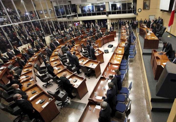 Asamblea gasta cerca de $500 mil en contratos directos en medio de pandemia
