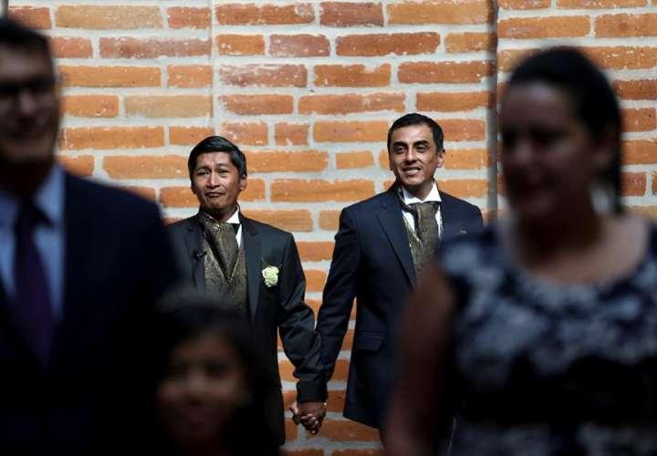 Islas Caimán legaliza relaciones homosexuales en medio de muchas críticas