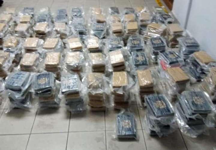 Buquín de droga incautada en puerto de Colón