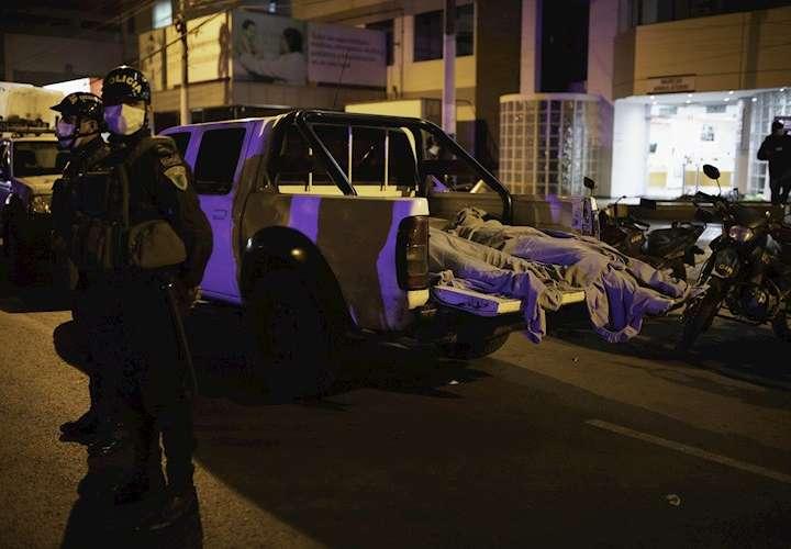 ¡Tragedia! 13 muertos por avalancha humana en fiesta clandestina (Video)
