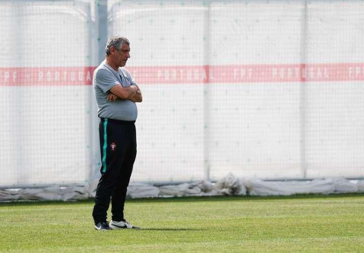 """Fernando Santos :""""Portugal es una selección compacta que ha llegado al Mundial como último campeón de Europa"""". Foto EFE"""