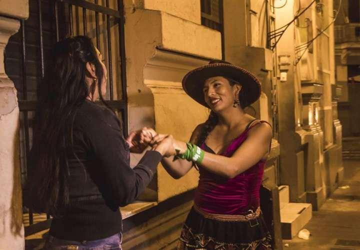 Trans, indígena y exprostituta, una candidata atípica al Congreso de Perú