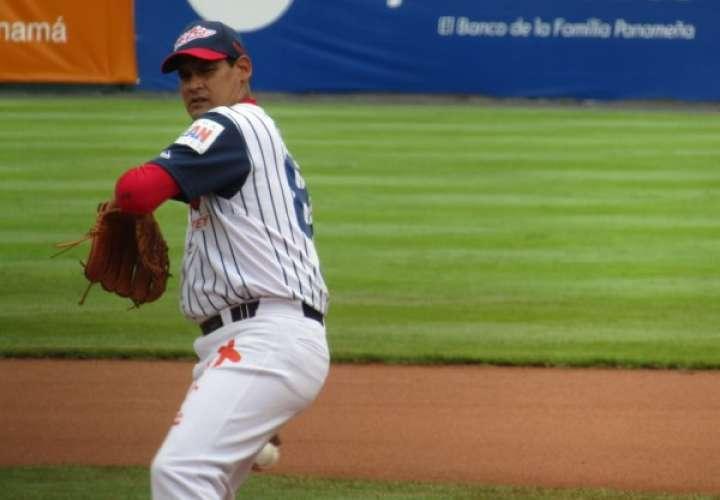 Gilberto Méndez obtuvo su victoria N.°119 de su carrera deportiva. Foto: Fedebeis.