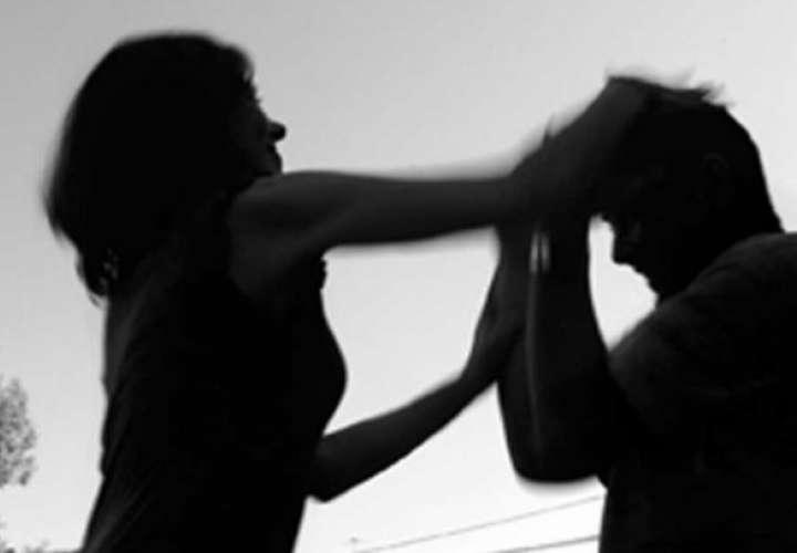 Mujer es condenada a 5 años de cárcel por golpear a su exmarido