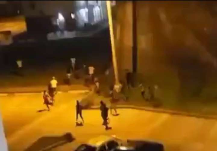 Chiquillos en Colón desafían a los policías [Video]