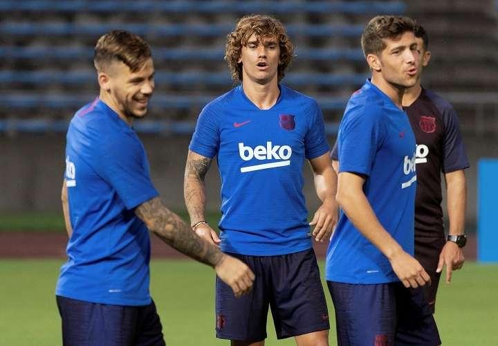 Antoine Griezmann durante el primer entrenamiento del FC Barcelona en Tokio donde, este lunes, prepara los primeros amistosos de pretemporada. Foto: EFE