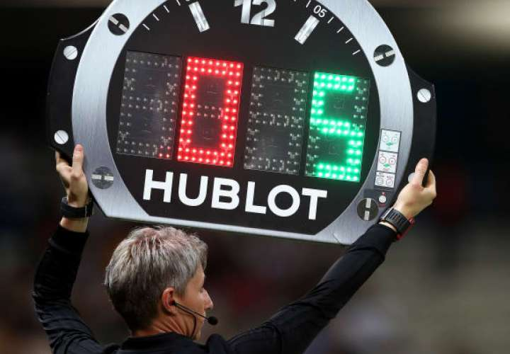 FIFA oficializa cinco cambios por equipo en partidos