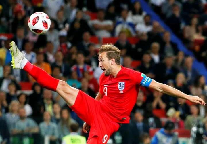 Kane incrementa su cuenta con otro penalti