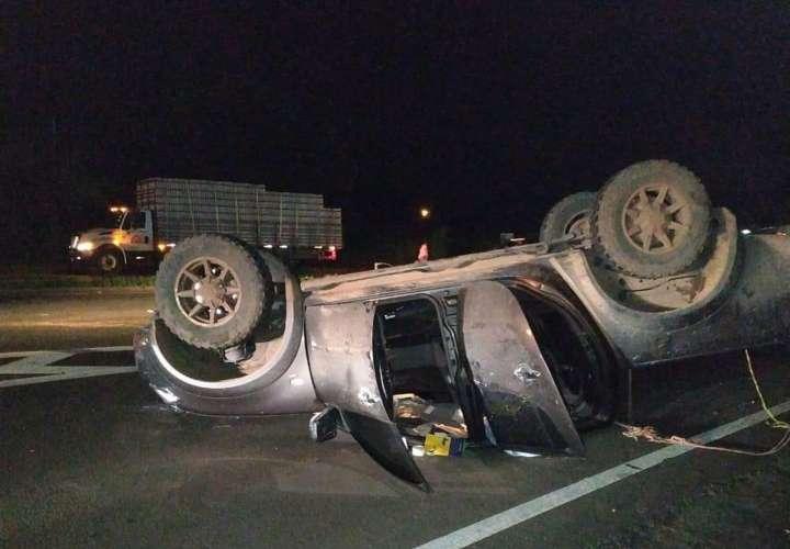 Jinete y su caballo mueren tras aparatoso accidente de tránsito en Santiago