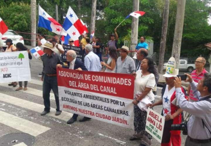 Suspenden ensanche de vía Omar Torrijos