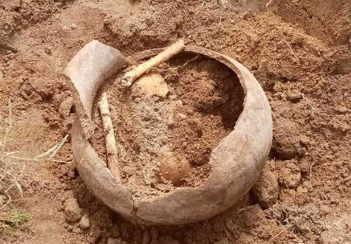 Enterramientos precolombinos en Antón