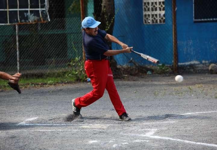 Softbol en Los Almendros