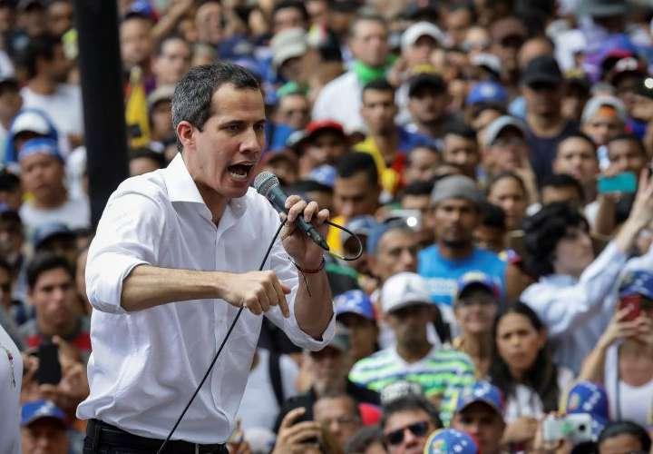 Guaidó convoca seguir protestas