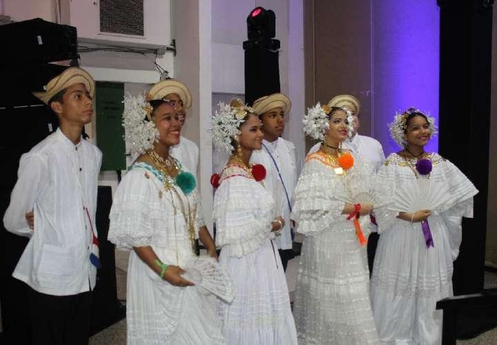 Celebran el XXXIX Festival Nacional Folclórico Manuel F. Zárate
