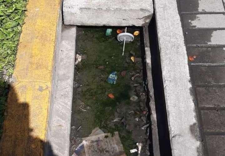 Piezas de concreto afectan desagües