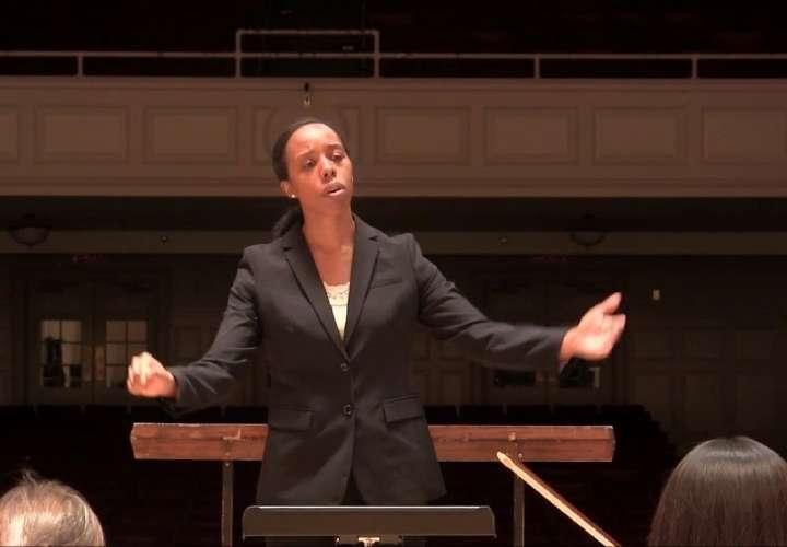 Panameña es directora musical en EE.UU