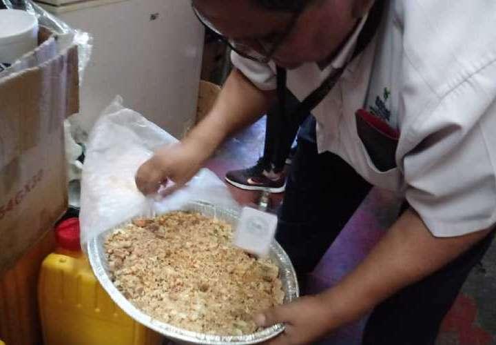 Hallan alimentos dañados en carnaval chiricano