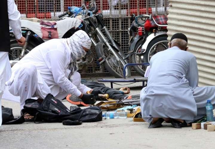 Atentado deja 7 muertos Bolsa de Karachi