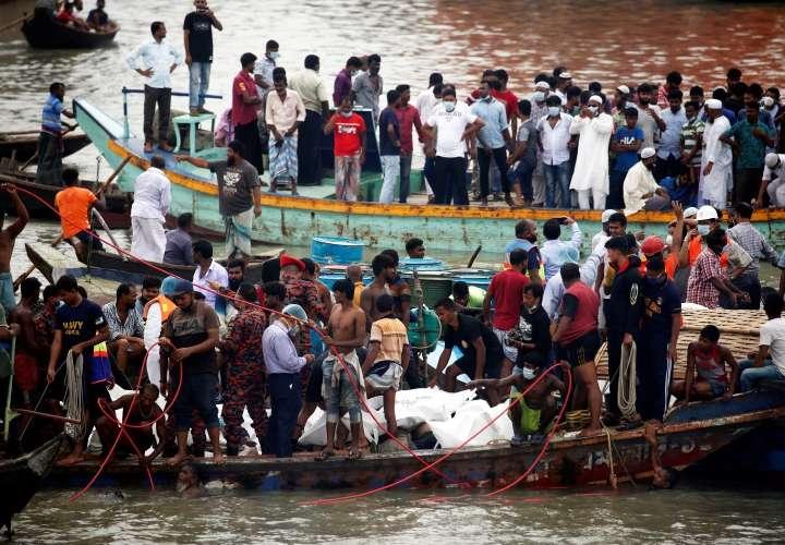Naufragio en Bangladesh deja más de 30 muertos