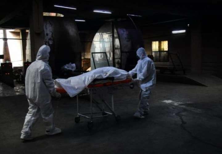 Rumbo a los 900 muertos por coronavirus
