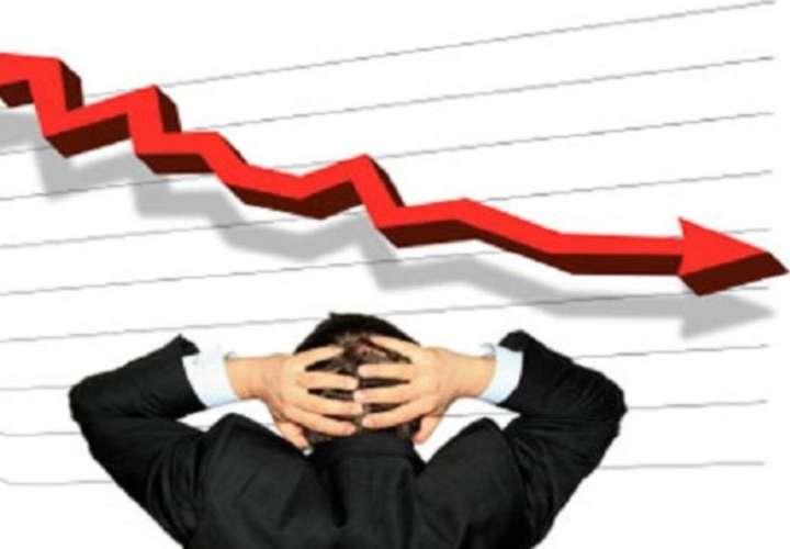 Ingresos tributarios caen 46.6% de enero-agosto
