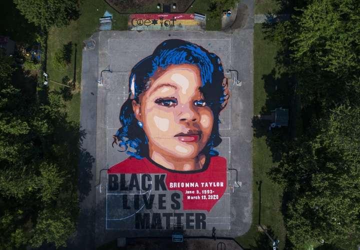 Millonaria indemnización por la muerte de una mujer negra a manos de la Policía